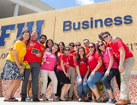 Pwc Intern International Students Mba by Generous Gift From Pwc To Fiu S Accounting And Business