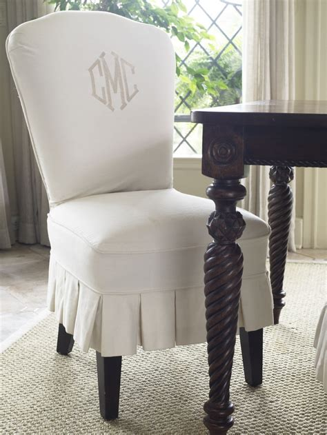 slipcovered dining room chairs 17 best ideas about dining chair slipcovers on pinterest