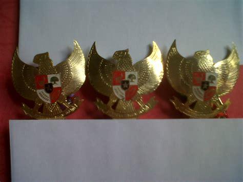 Pin Garuda Mikron Emas Ukuran Besar hidup sukses jual pin bros garuda pancasila