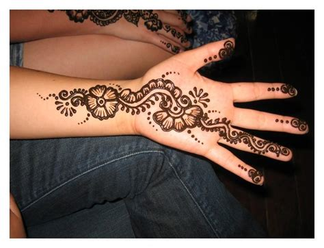 henna tattoo on hands henna tattoos