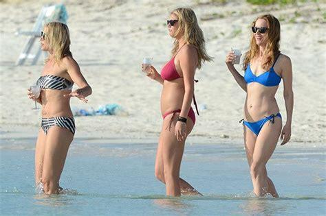 leslie mann movie with cameron diaz best 25 leslie mann bikini ideas on pinterest tea leoni