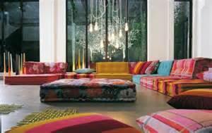 buntes sofa einrichtungsbeispiele f 252 rs wohnzimmer