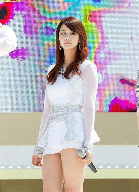 Celana Korea wanita korea pakai celana pendek korean by screenshoters on deviantart