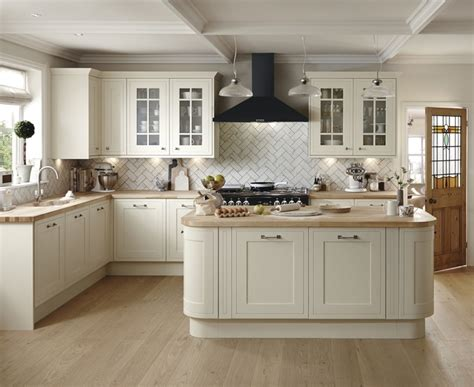 Tewkesbury Framed Antique White Kitchen   Howdens Joinery