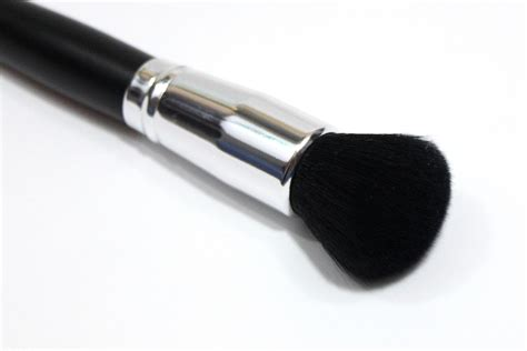 Coastal Scents Classic Large Powder Brcn27 coastal scents classic buffer small synthetic brush