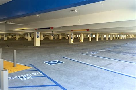 Universal Parking Garage by Universal Studios Adds 5 000 Parking Spaces