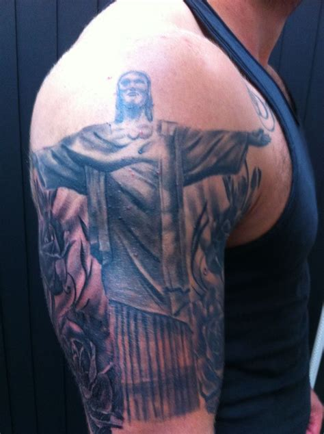 christ the redeemer tattoo the redeemer lovely tatoos