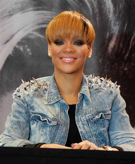 black weave boycut rihanna short cut with bangs rihanna short hairstyles