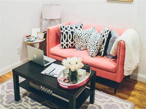 Sofa Empuk sofa empuk berlengan tinggi ternyata bisa bikin ruangan