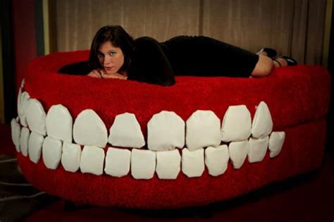 couch dental giant robotic chattering teeth couch fooyoh entertainment