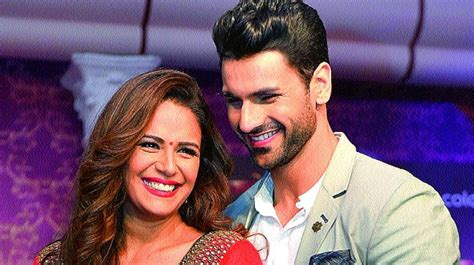 vivek dahiya and mona singh we look great together vivek dahiya