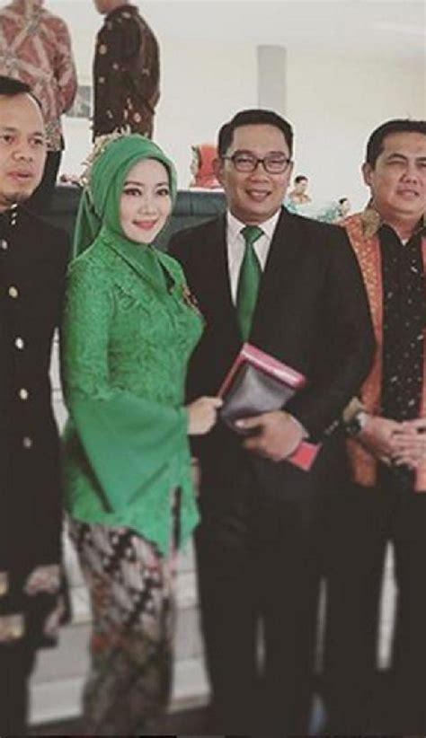 Kebaya Kain Parada parade kebaya cantik di pernikahan anak jokowi cantik