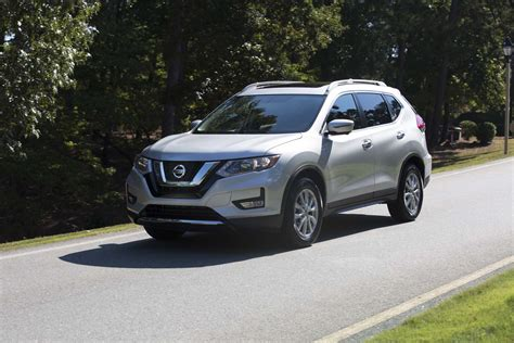 2017 nissan rogue 2017 nissan rogue first drive review gunning for 1