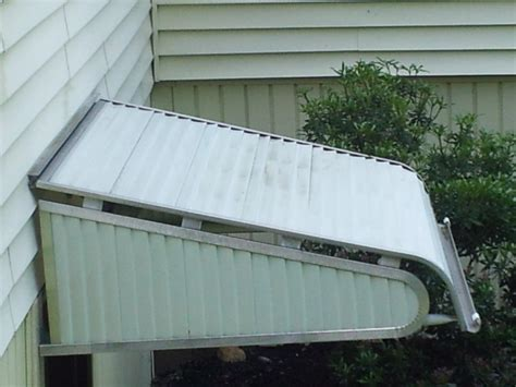 How To Clean Metal Awnings by How To Clean Aluminum How To Clean Aluminum Awning