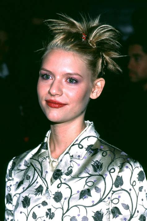 tbt the best of the worst 90s beauty trends sarah 25 best nineties mood images on pinterest hairdos
