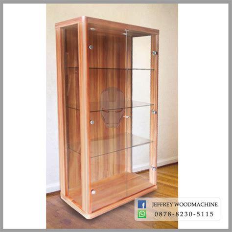 Lemari Kaca Untuk Pajangan jual lemari pajang kaca 2 pintu untuk koleksi pajangan