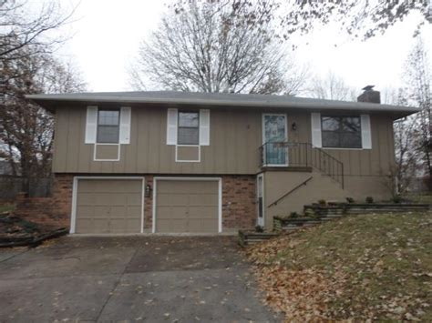 115 seflagstone dr lees summit missouri 64063 foreclosed