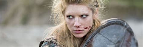 lagertha lothbrok how to dress like her katheryn winnick talks vikings battling in harsh weather
