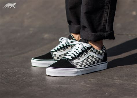 Sepatu Vans Oldskool Checkerboard Black White vans skool checkerboard black espresso asphaltgold