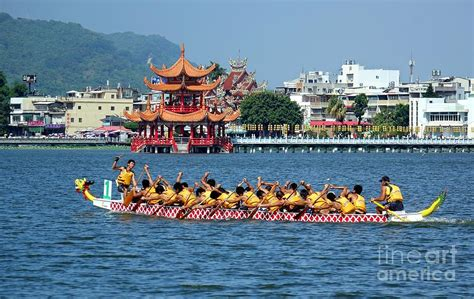 dragon boat festival kaohsiung the 2014 dragon boat festival in kaohsiung taiwan