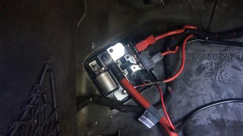 cl mercedes benz alternator  charging battery