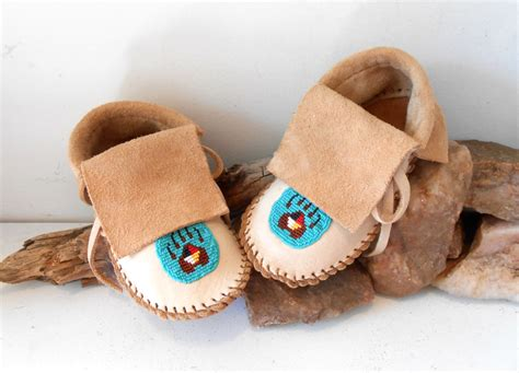 Handmade Mocassins - beaded children s moccasins handmade by