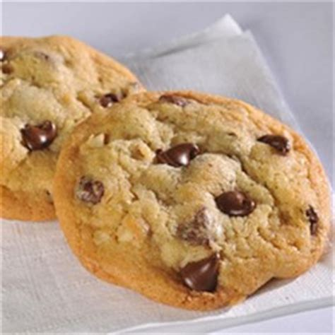 nestle toll house cookie cake original nestle 174 toll house chocolate chip cookies recipe allrecipes com