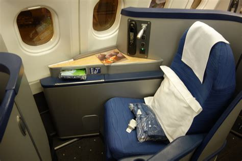 where is my seat trip report us airways envoy class phl to cdg efficient