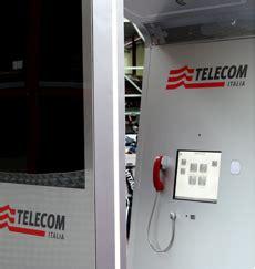 cabine telefoniche torino a torino la prima cabina telefonica intelligente paperblog