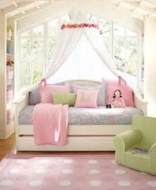 daybed bedding ideas 25 best ideas about full size daybed on pinterest full