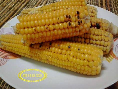 cucinare pannocchie pannocchie di mais al naturale e la sua cucina