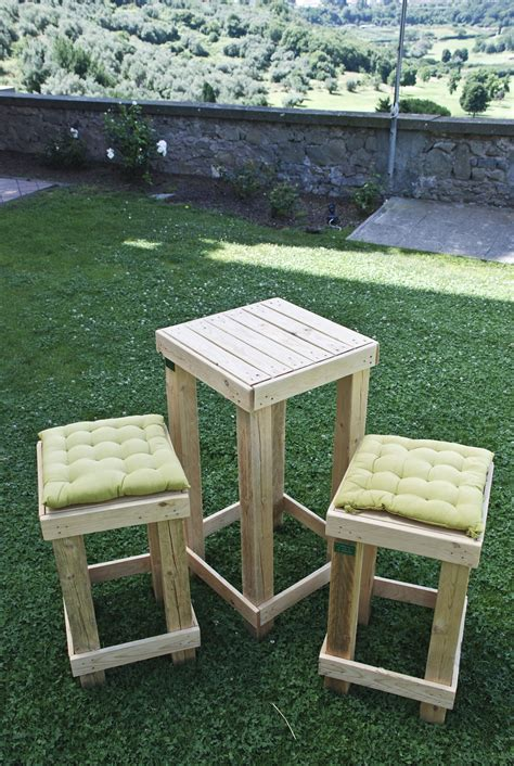 sgabelli alti sedie mobili in pallet
