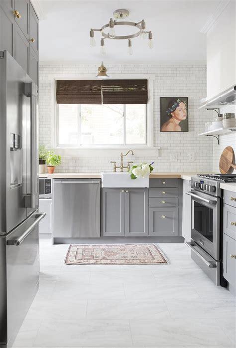 small kitchen flooring ideas 17 best ideas about luxury vinyl tile on vinyl