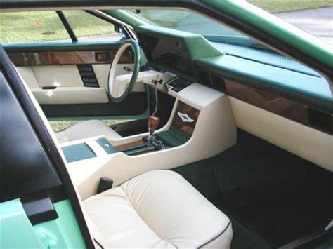 aston martin lagonda interior file 1982 aston martin lagonda interior jpg wikimedia
