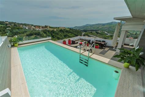 piscina su terrazzo una fantastica piscina su terrazzo professione piscina