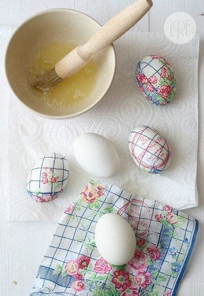 how to boil eggs for easter coloring coloring easter eggs a dozen ways to color a dozen eggs