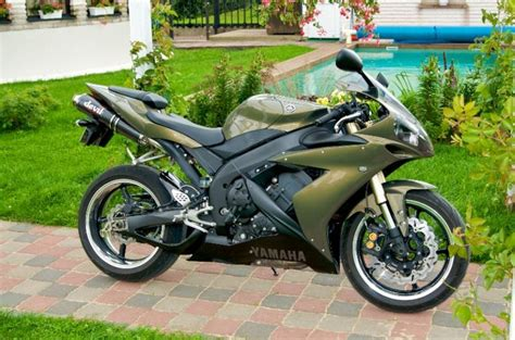 olive green bmw yamaha r1 bmw individual olive green 126kw auto24 ee