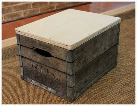 how to make ottoman how to make an ottoman using a vintage milk crate