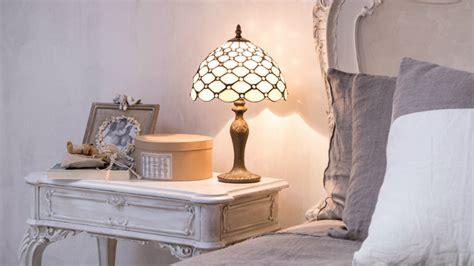lada da comodino in francese dalani abat jour luce romantica in casa