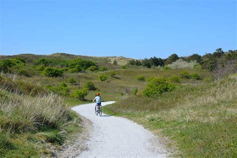 boot ameland met fiets fietsen met kinderen op ameland weekendje weg my footprints