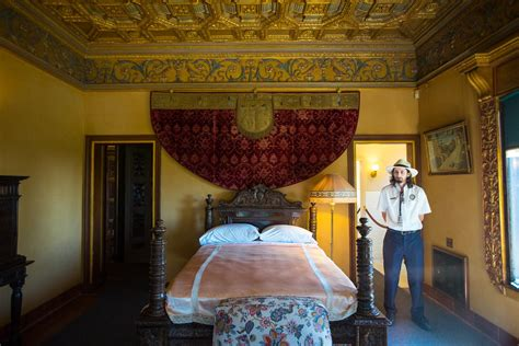 cottage guide cottage and tour guide at the hearst castle