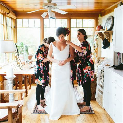 Wedding Budget 3000 by How To Throw A Wedding With A 3 000 Budget Oh My Veil
