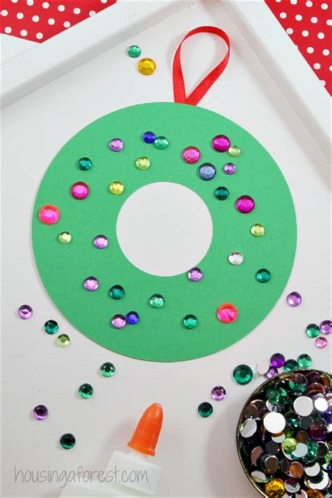 easy wreath crafts construction paper wreath housing a forest