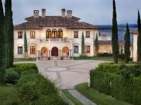 Italian Villa Style Homes by Italian Style Estate In Austin Texas For Sale Extravaganzi