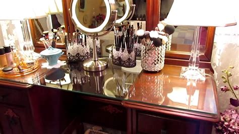 decorate your pictures my vanity table gets a makeover gotta love it youtube