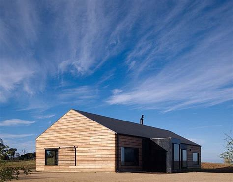 Australia House by A Typical Australian House By Wolveridge Architects