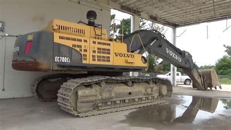 volvo  excavator  walk    huge machine youtube