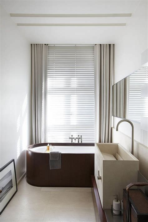 franse jaloezieen aluminium jaloezieen in de badkamer van maatstudio nl