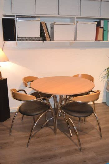 effezeta dining table and 4 chairs for sale in dun