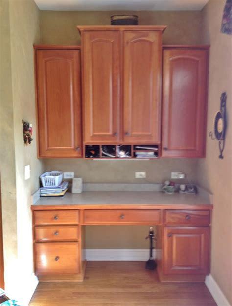 Houzz Black Kitchen Cabinets help in converting kitchen desk into bar
